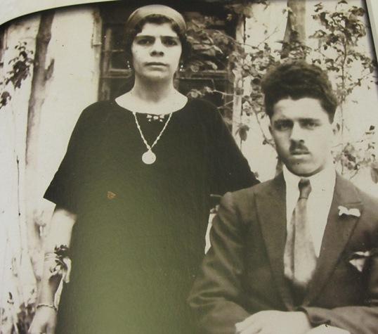 מלכה ובכור סרור בצעירותם