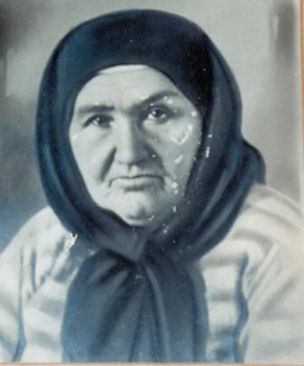 סבתא אסתר בזקנותה