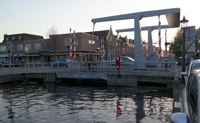 Video Brugdek In Maassluis Stort Omlaag Zeilen