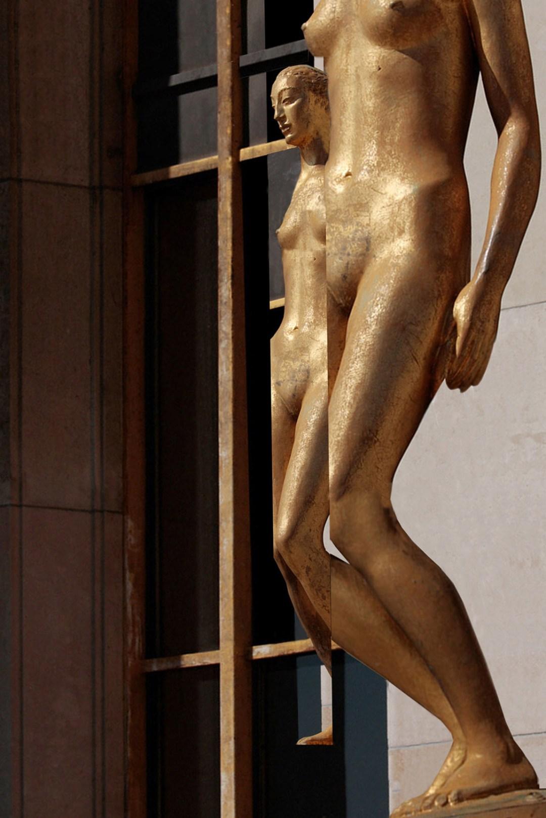 Wolfgang Ahrens Goldene Statuen am Palais de Chaillot, Place du Trocadero 2009