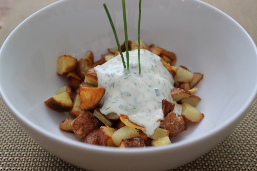 baked potatoes with chive cream sauce