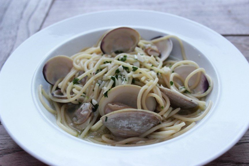 Spaghetti and clams - pasta con vongole