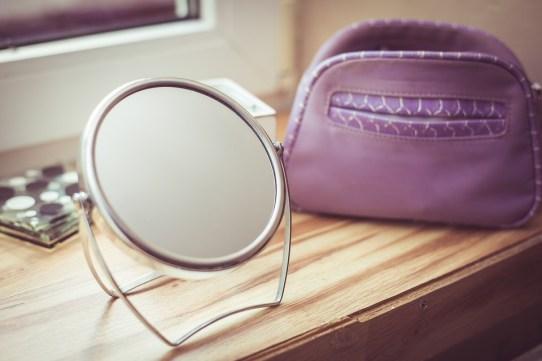 mirror-997600_960_720