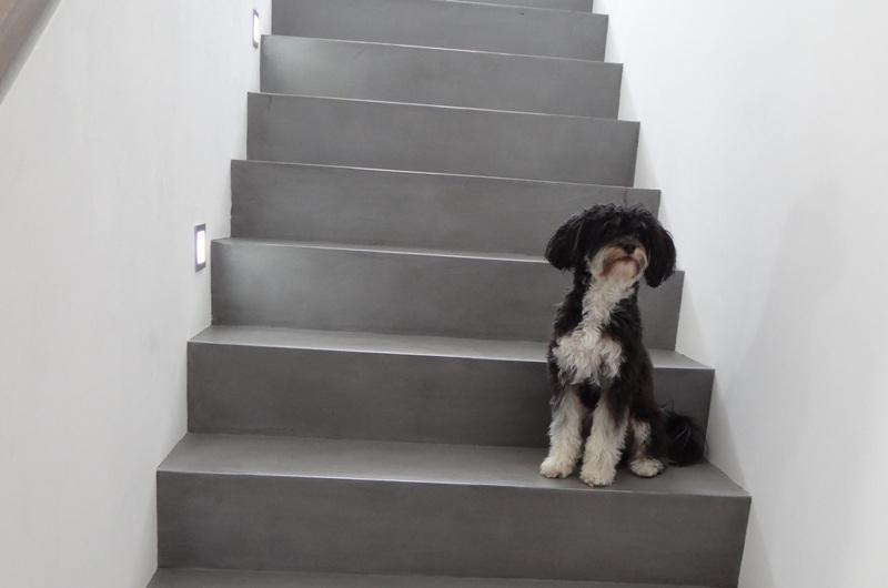 Betontreppe gespachtelt Treppenbeschichtung Betonoptik
