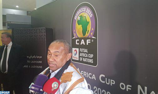 رئيس الاتحاد الإفريقي لكرة القدم يحل بالعيون