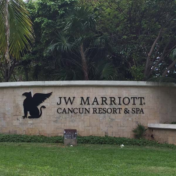 What is the best credit card to earn Marriott points? I'll tell you which card to use to earn maximum Marriott points!