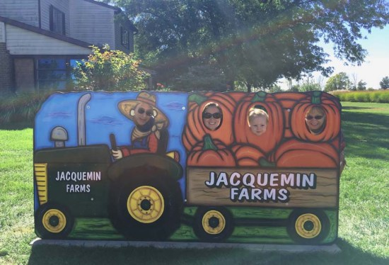 Fall and winter activities in Columbus, OH (USA) | Jacquemin Farms Pumpkin Patch | Plain City, OH