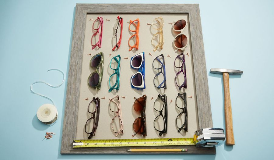 eyeglasses-display-home
