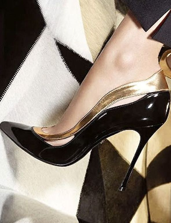 siyah dore rugan yüksek topuklu sivri burunlu ayakkabı