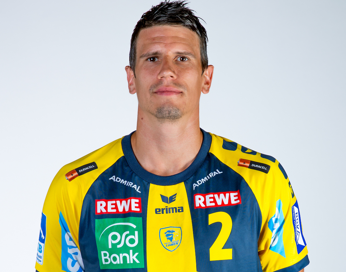 https www zentralplus ch luzerner andy schmid heiss im handball cool auf dem roten teppich 799291