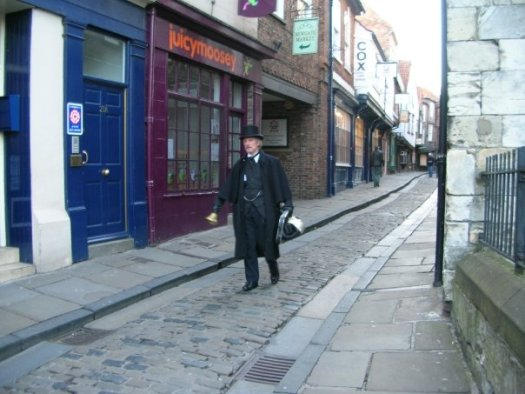 Ghost Hunt Guide on the Shambles
