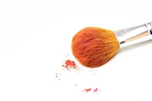 makeup-484257_640