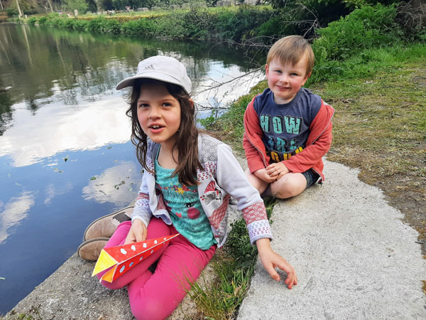 Promenade dans la nature zéro déchet enfants