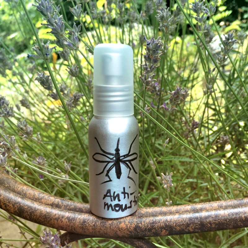 Spray anti-moustique