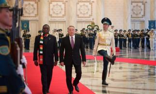 https://i0.wp.com/www.zerohedge.com/s3/files/inline-images/Zim-leader-in-Astana-Kazakhstan-960x576.jpg?resize=323%2C194&ssl=1