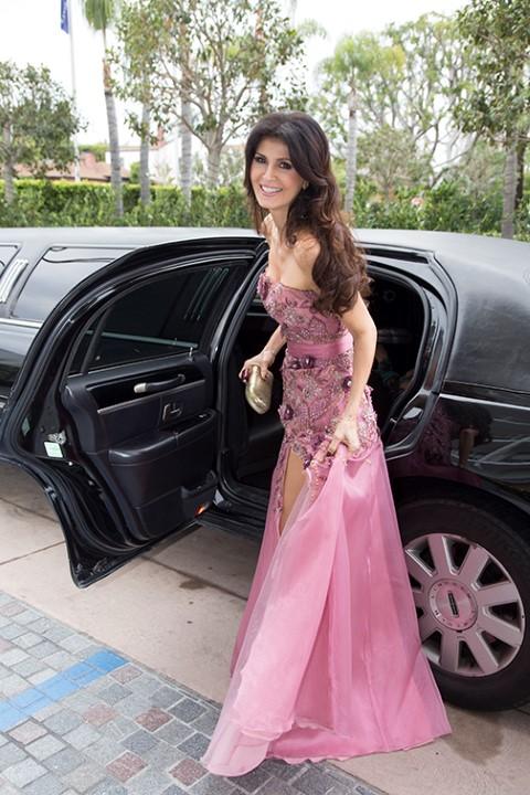 Micheline Etkin com um look da TLC de Scottsdale e joias desenhas por ela com morganita, turmalina rosa e diamantes