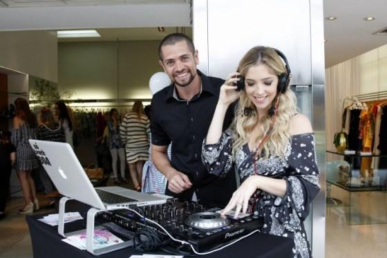 DJ Fernando de Luz e Nicole Abramoff