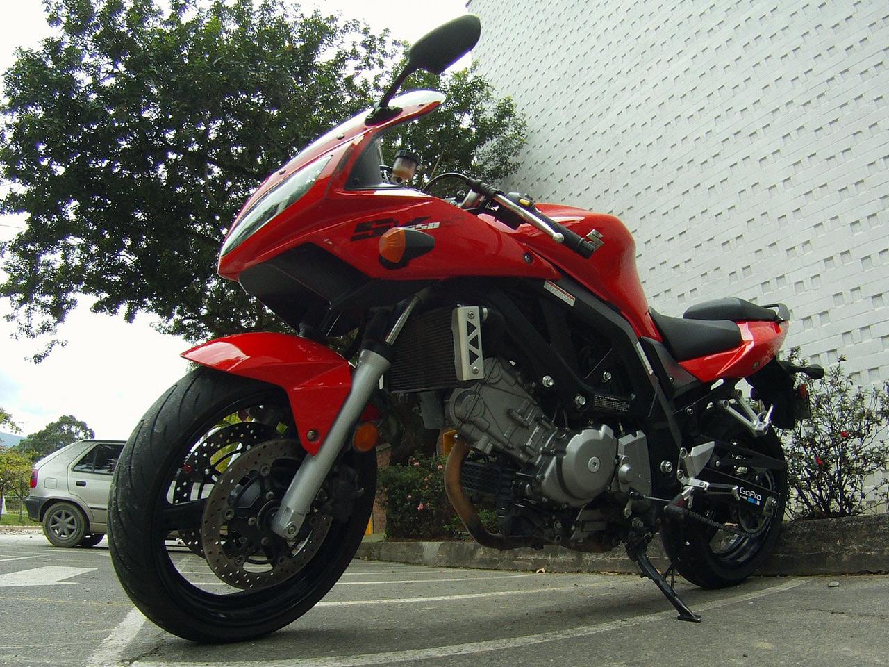 Suzuki Motorcycle Pictures | View our Gallery of Suzuki