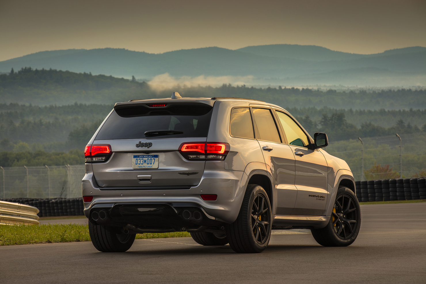 """It's """"Bring Your SUV To Track"""" Day: 2018 Jeep Grand ..."""