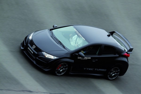 2015-Honda-Civic-Type-R-Turbo-6[2]