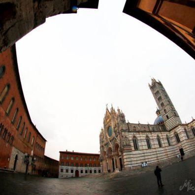 Piazza Duomo dall'angolo di Via del Capitano