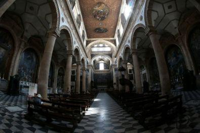 Interno cattedrale di Gallipoli