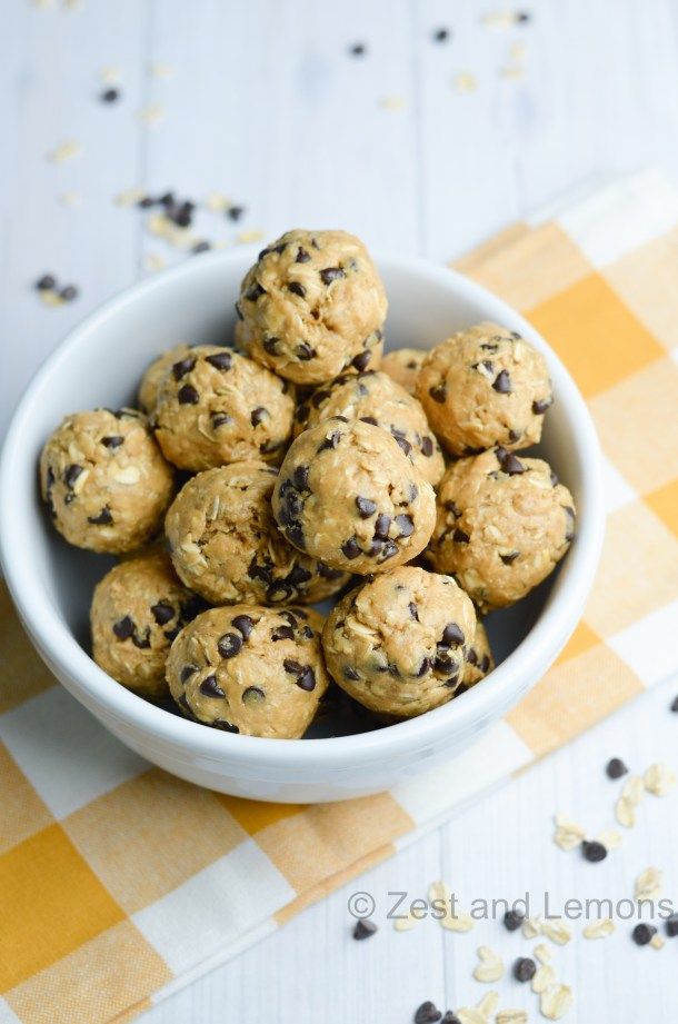 Oatmeal Chocolate Chip Protein Balls