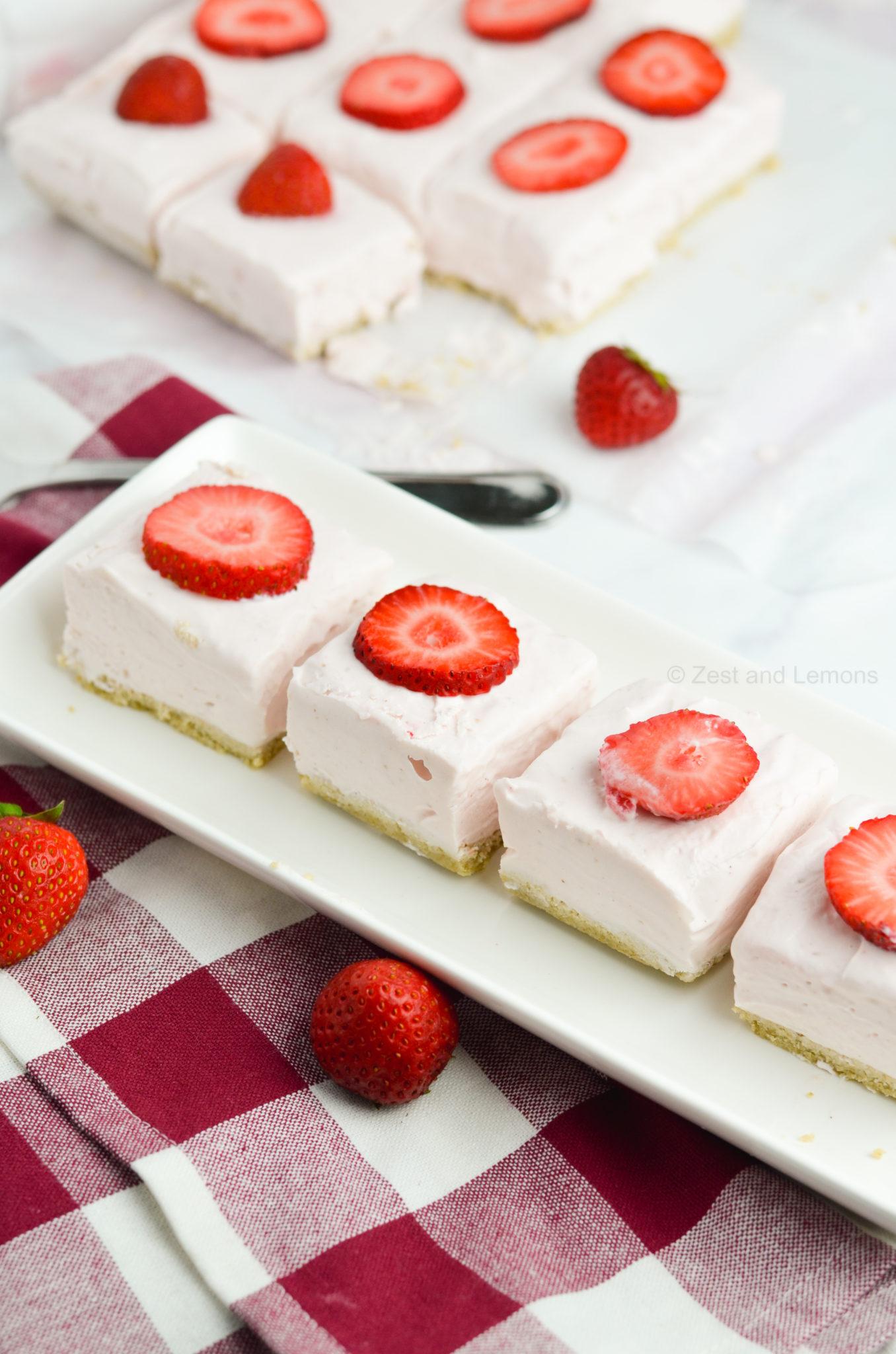No-Bake Strawberry Cheesecake Bars