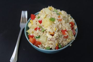 Pineapple Fried Rice - A delicious twist on the usual fried rice! This is an easy vegetarian meal or side dish that is loaded with flavour.