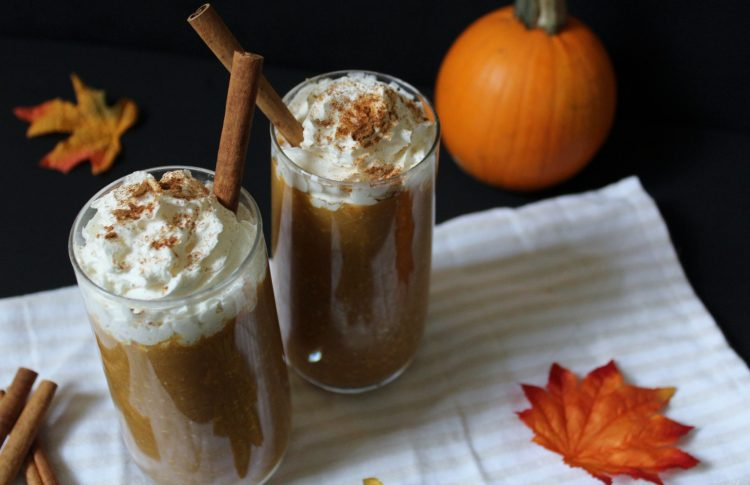 Pumpkin Spice Smoothie - a healthy way to enjoy pumpkin spice without a sugar overload! This cold and creamy smoothie is nutritious, filling and will help satisfy your craving for a slice of pumpkin pie!