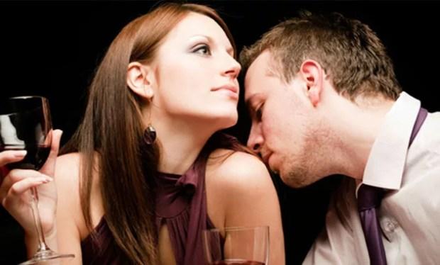 guy smelling girl perfume