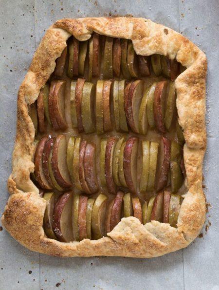 גאלט תפוחים עם רוטב קרמל-טופי דבש