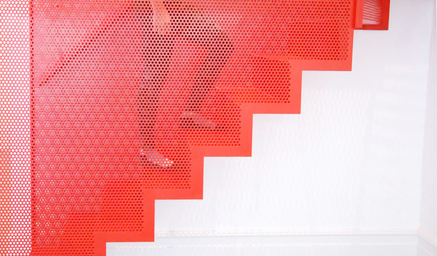 amazing-bespoke-red-hot-perforated-steel-suspended-staircase-diapo-12-interactive-thumb-630x370-17315