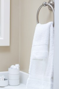Simple Ways to Display and Store your Bathroom Towels ...