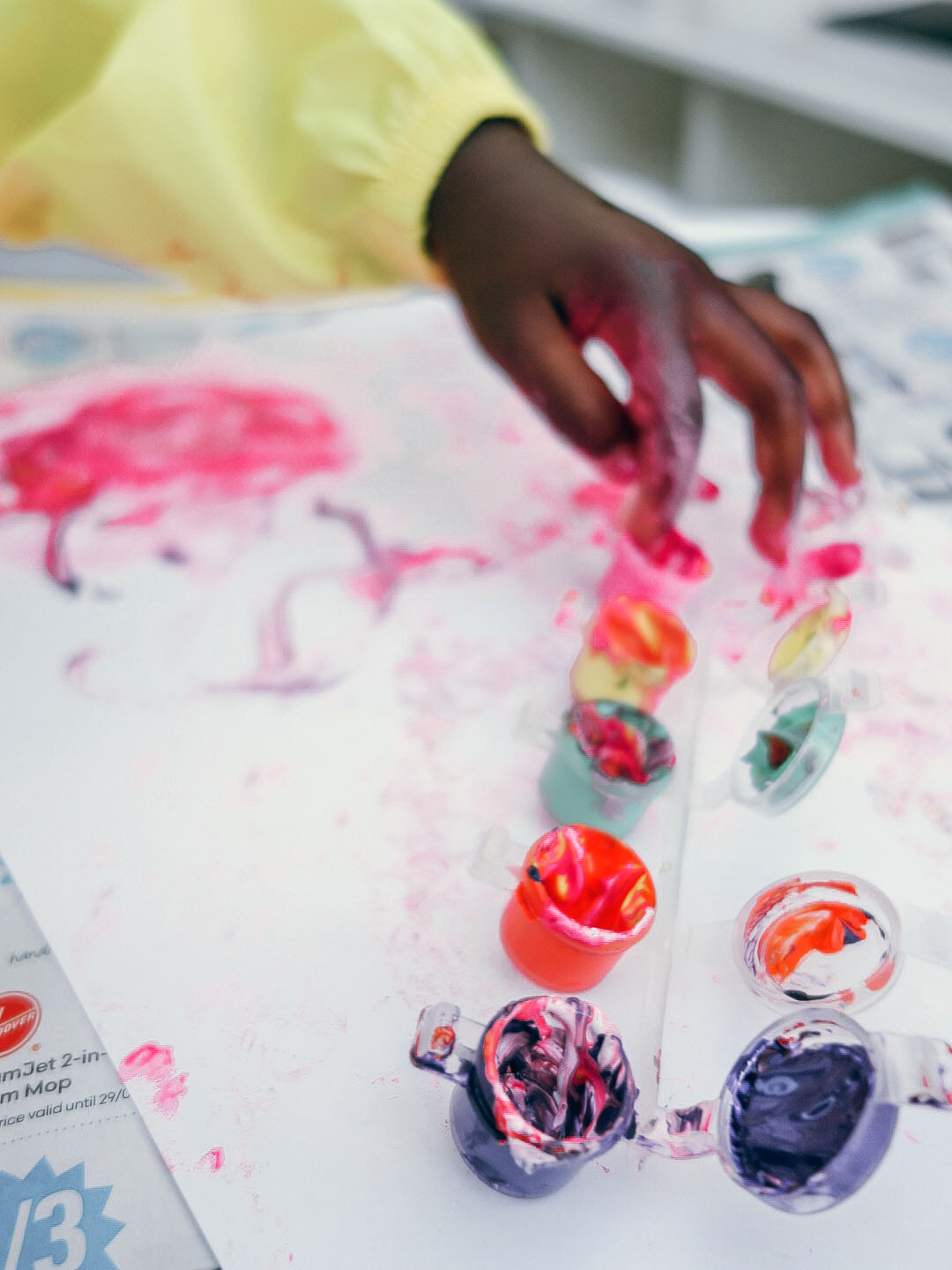 Experts say that creative play is anything that satisfies the need for self-expression as well as develop manual skills. Painting and making things is an excellent activity during quarantine!