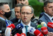 Photo of Qeveria e Kosovës hedh hapa të tjerë për dialogun me Serbinë, Hoti: Nuk ka alternativë, bisedimet do t'i kryesoj unë