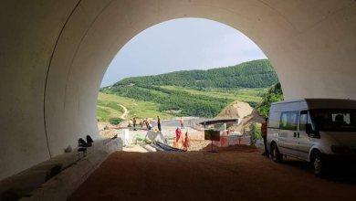 Photo of Rama zbulon fotot brenda tunelit të rrugës Qukës-Qafë Plloçë: Projekt i lënë në letra bakalli