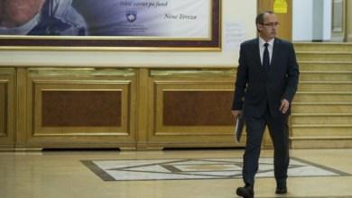 Photo of Xhandarmëria Serbe hyri në Kosovë, Hoti mbledh krerët e institucioneve të sigurisë