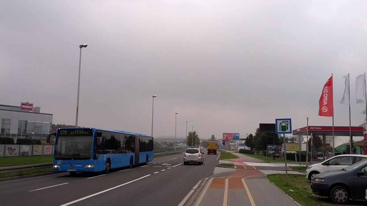 ulica ljudevita posavskog, sesvete, zagreb / zet bus 279 / listopad 2015.