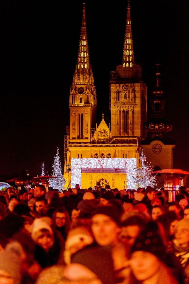 BAŠ NAŠ Advent u Klovićevim Dvorima 2018 / Zagrebačka katedrala