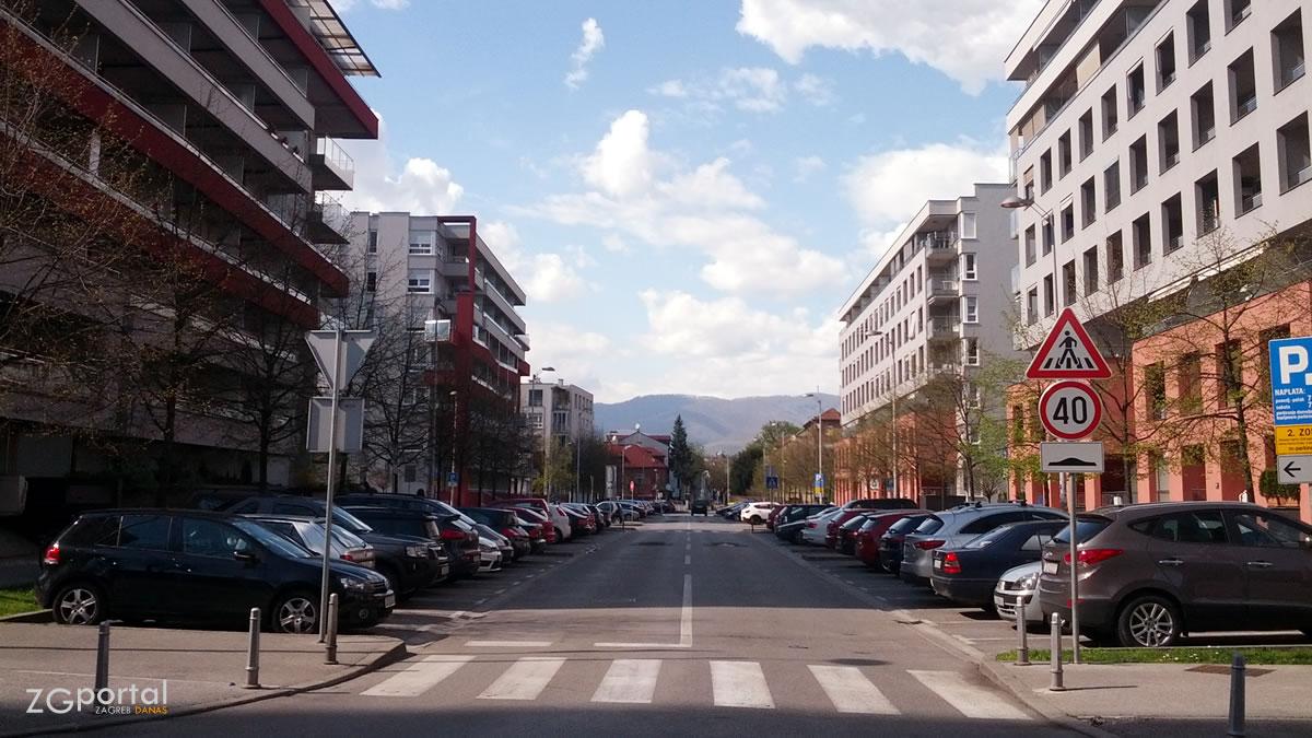 bužanova ulica, zagreb / travanj 2015.