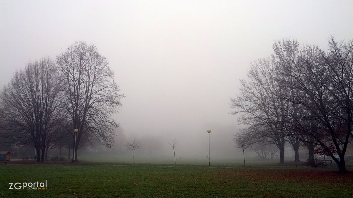 magla u zagrebu / prosinac 2015.