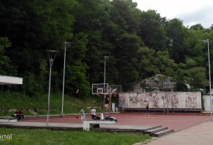 košarkasko igralište tuškanac zagreb / svibanj 2013.