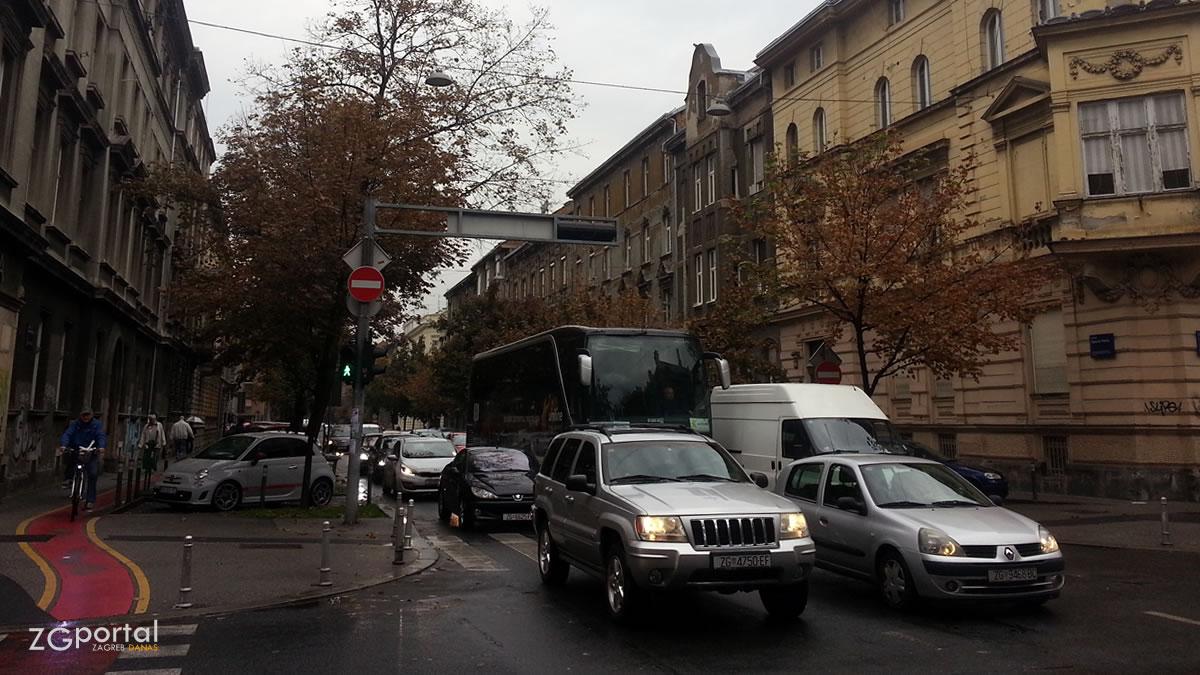 ulica baruna trenka, zagreb - zeleni val - listopad 2017.