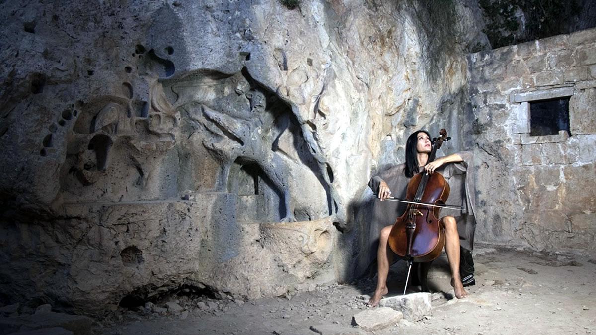 ana rucner - violončelo - pećina - 2020