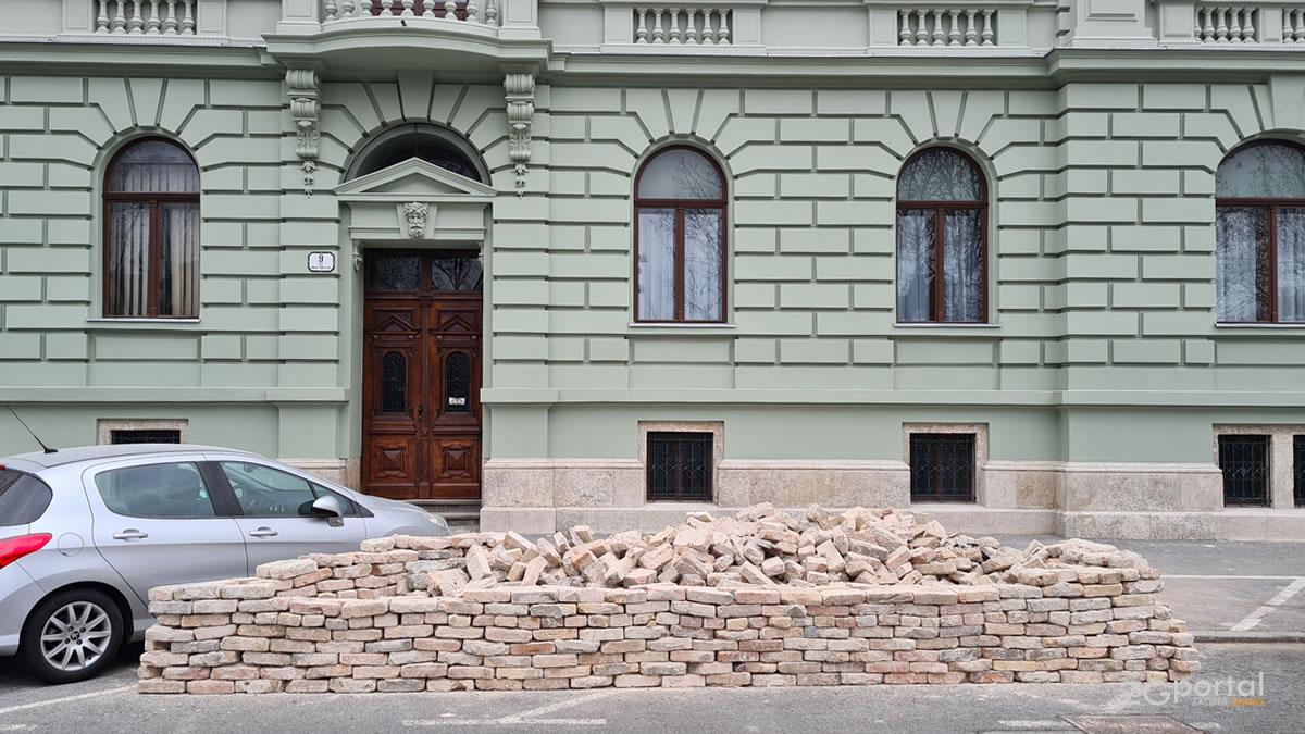 potres u zagrebu - trg kralja tomislava - siječanj 2021.