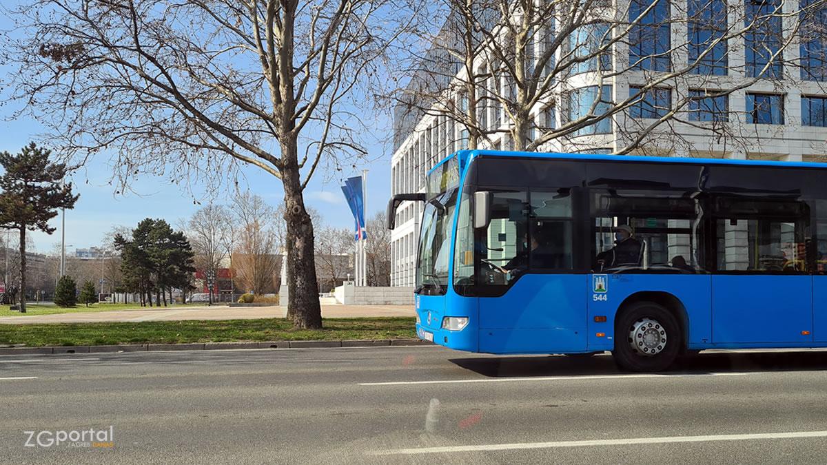 ina karingtonka - zet zagreb - bus 242 - ožujak 2021.