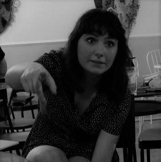 Laura Juan/Tesorera y redactora