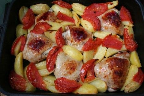 Жаркое курица лук, помидор, картофель. Жарено-тушеная курица.