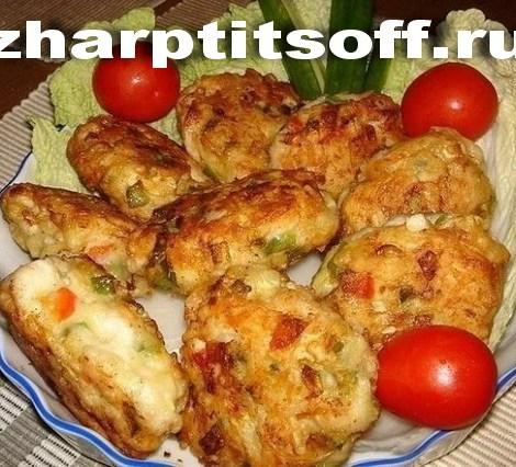 Куриные котлеты сырно-овощные с кабачком и перцем